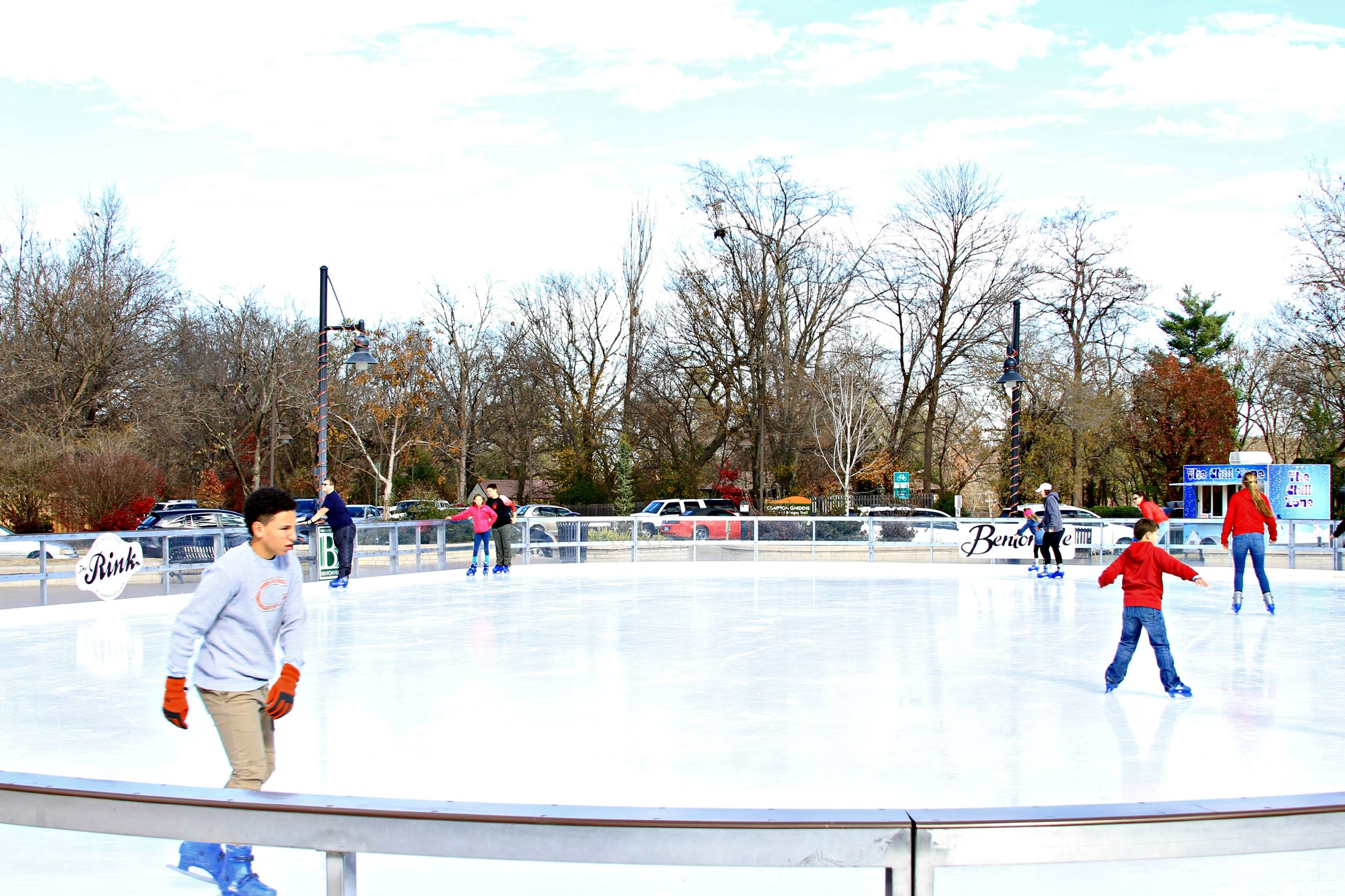 Lawrence Plaza - Ice Rink (18)