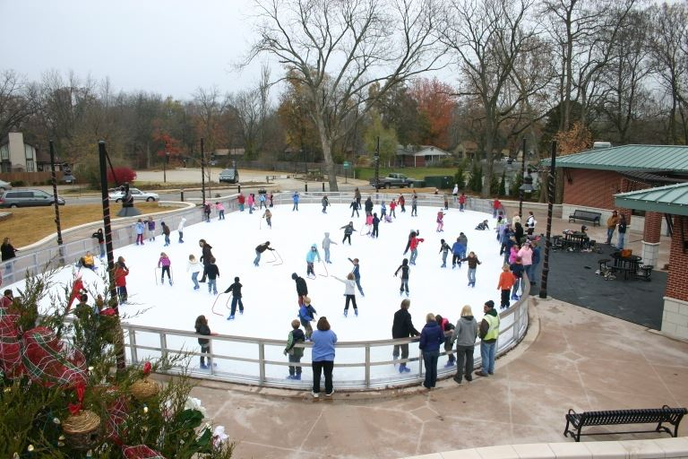 Image of ice skaters skating